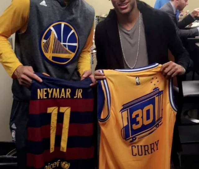 Snlcj Steph Curry And Neymar Swapped Jerseys After The Warriors Win